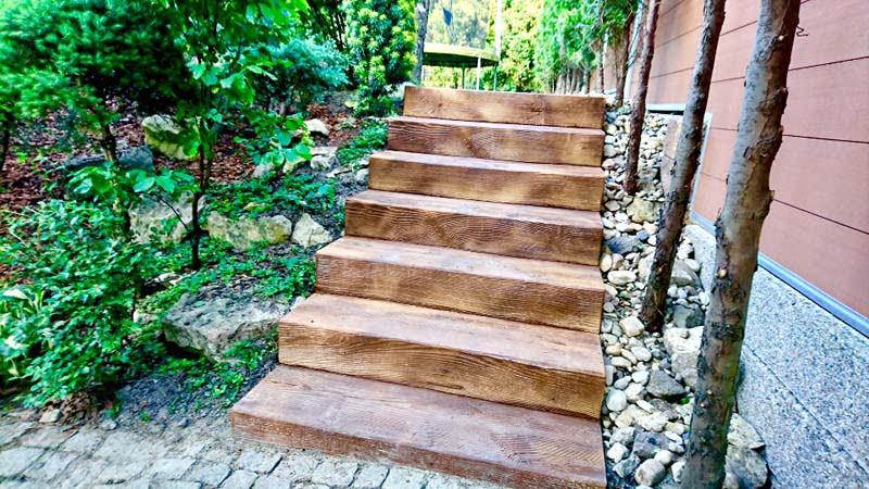 Drewniane schody Betonowe Drewno